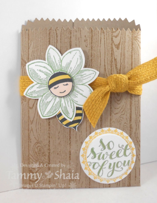 Baby Bumblebee Mini Treat Bag Die
