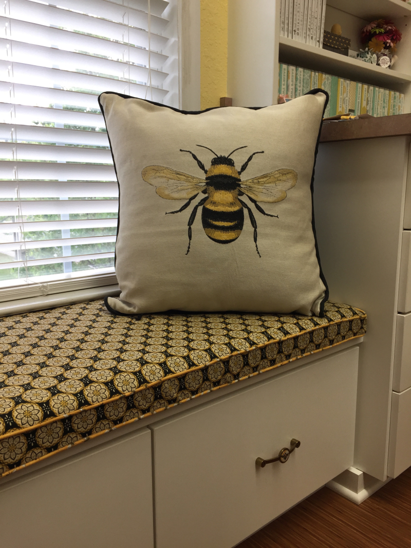 Be Creative Stamping Bee Pillow 2